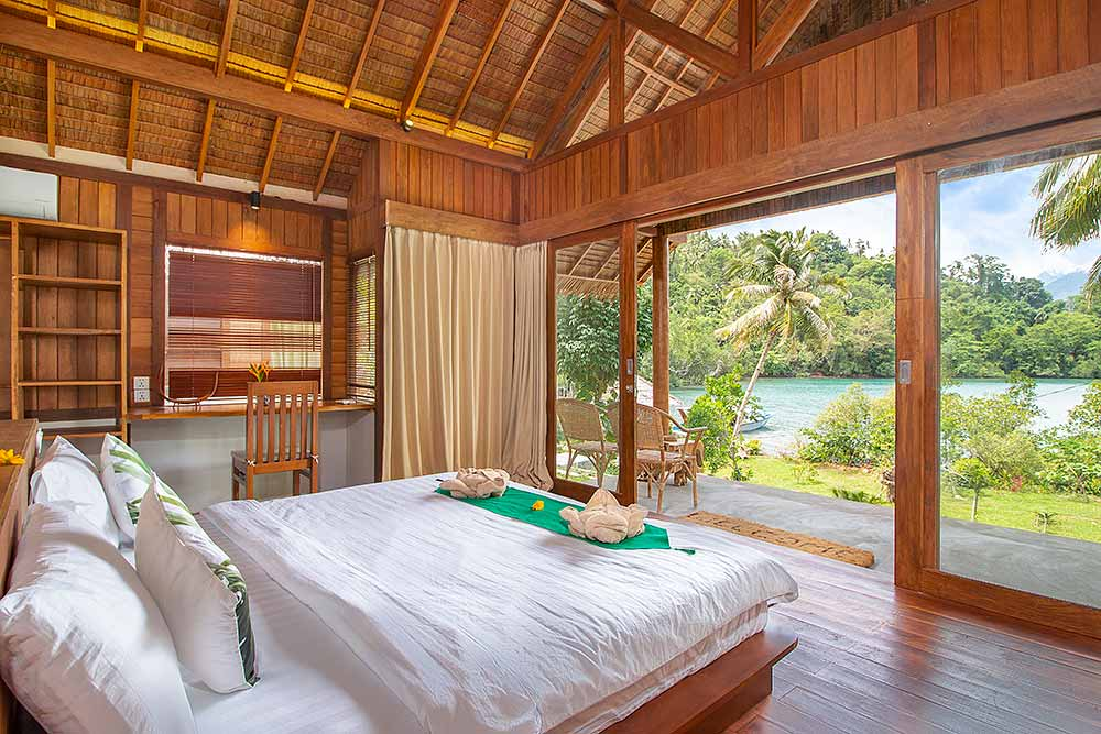 Accommodation in Lembeh: Seaview Deluxe Double